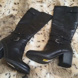 Natural Soul Taliah style black boots size 6